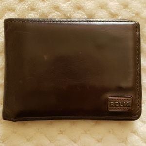 Relic leather wallet